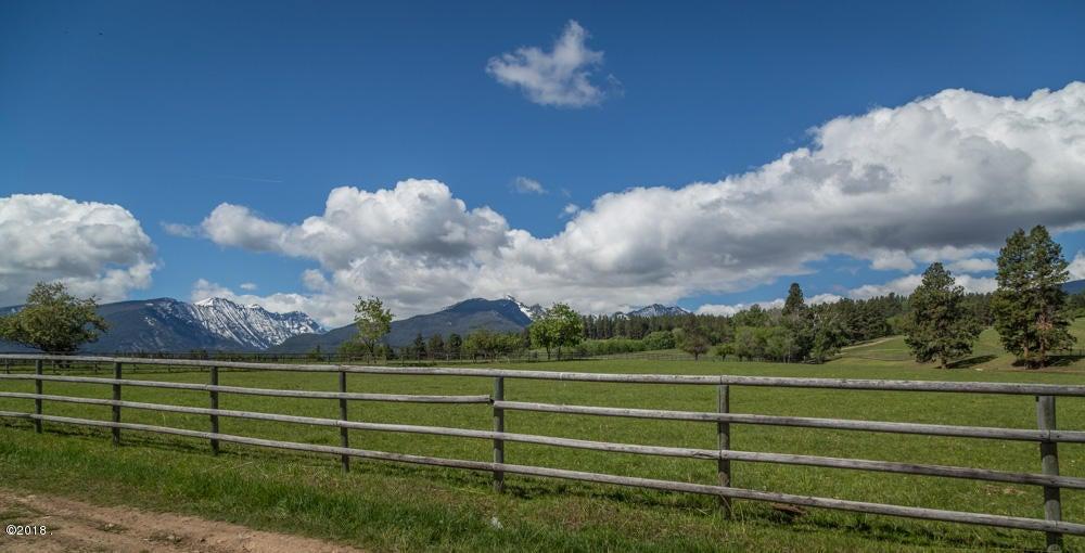 Nhn Running Elk Road, Darby, MT 59829
