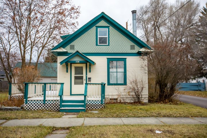 228 10th Street West, Kalispell, MT 59901