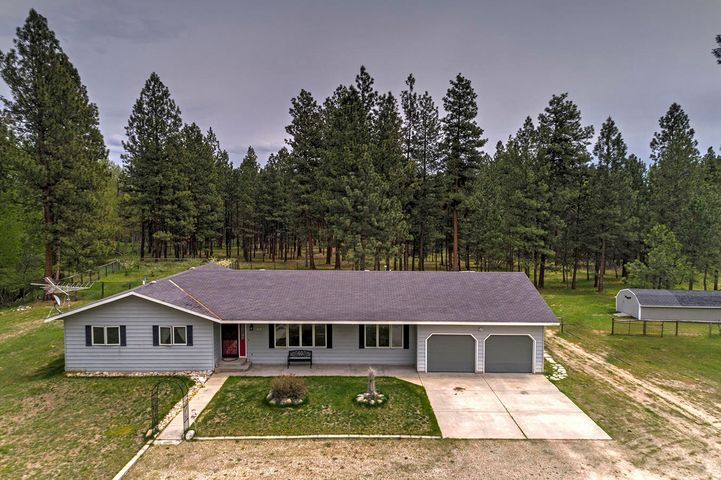 1672 Red Crow Road, Victor, MT 59875