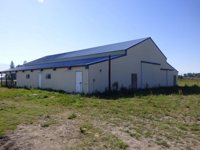 Large barn with apartment