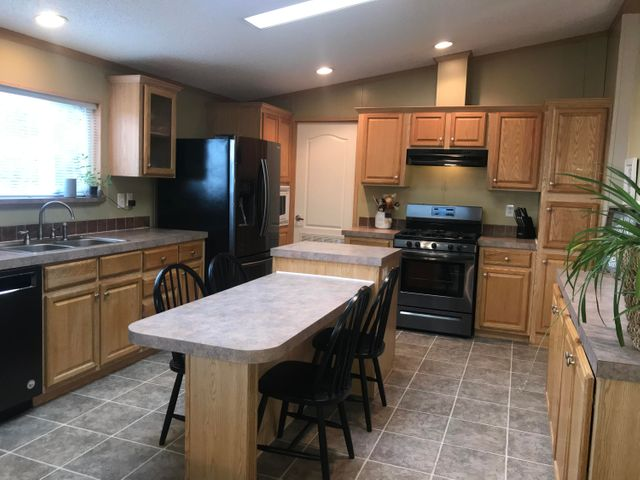 1240 Palisades Place, Victor, MT 59875