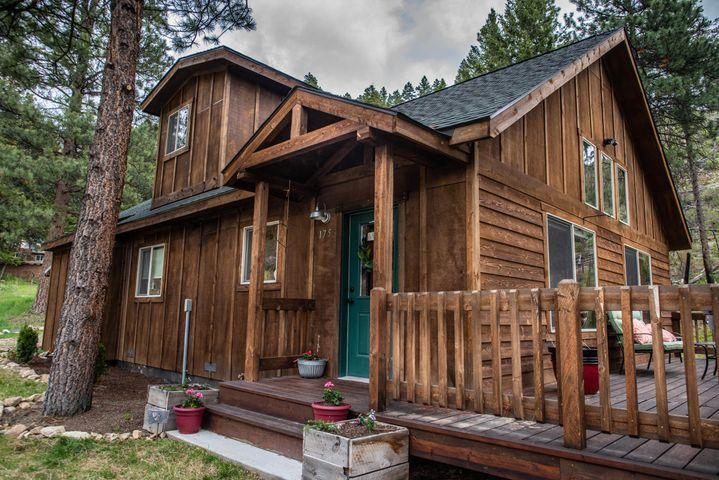 175 Whiskey Gulch Road, Sula, MT 59871