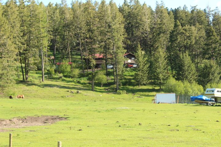 Quiet country setting within 15 min of downtown Kalispell