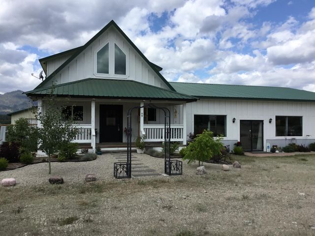 99 Lost Lamb Road, Hamilton, MT 59840