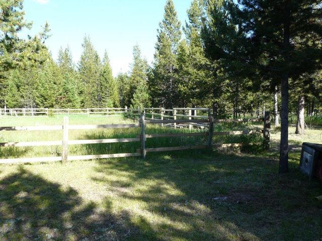 8926 Heavenly Pines Way, Lincoln, MT 59639