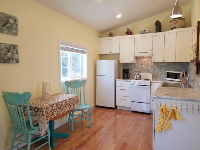 418 Central Avenue, Hot Springs, MT 59845