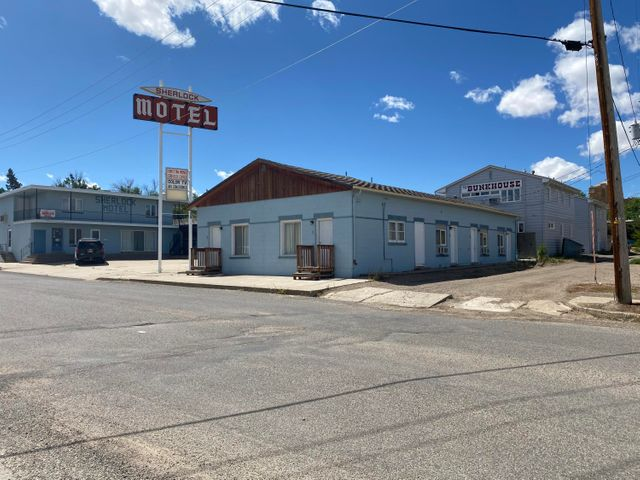 133 5th South Avenue, And 448 Main St, Shelby, MT 59474