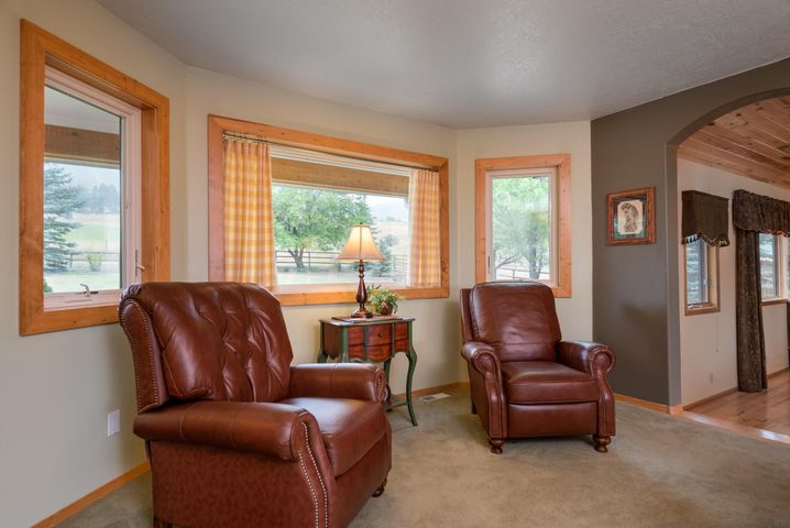 19066 King Road, Florence, MT 59833
