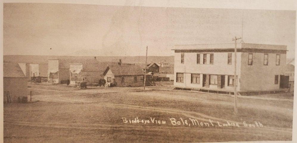 13 5th Street North, Fairfield, MT 59436