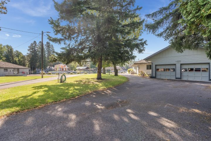 32 Rivers End, Bigfork, MT 59911