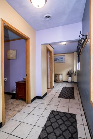 Upstairs Flat Hallway3