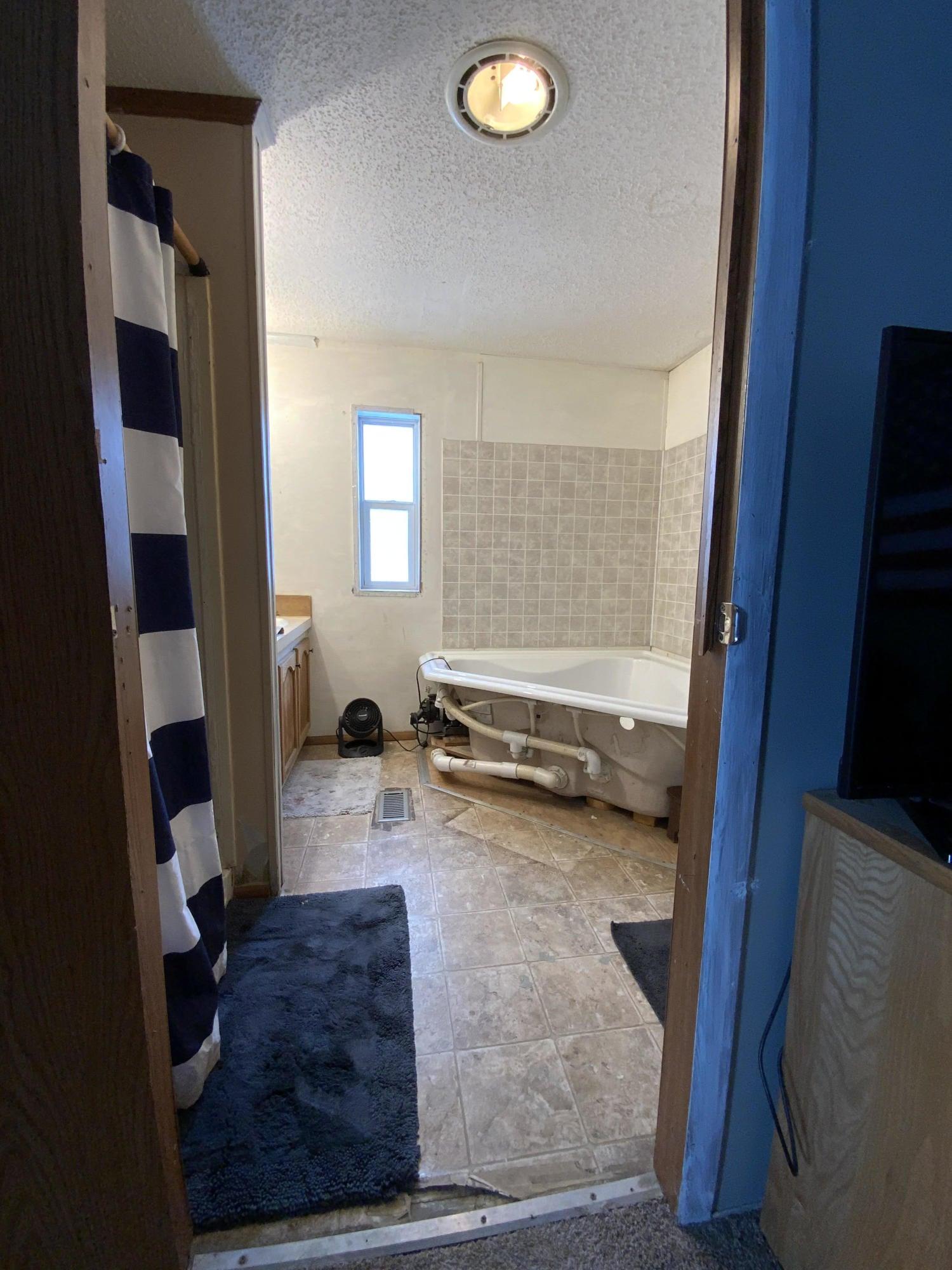 121 W Road, Hot Springs, MT 59845