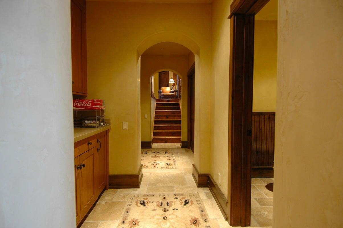 018_Hallway