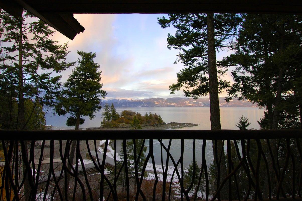 027_Balcony View