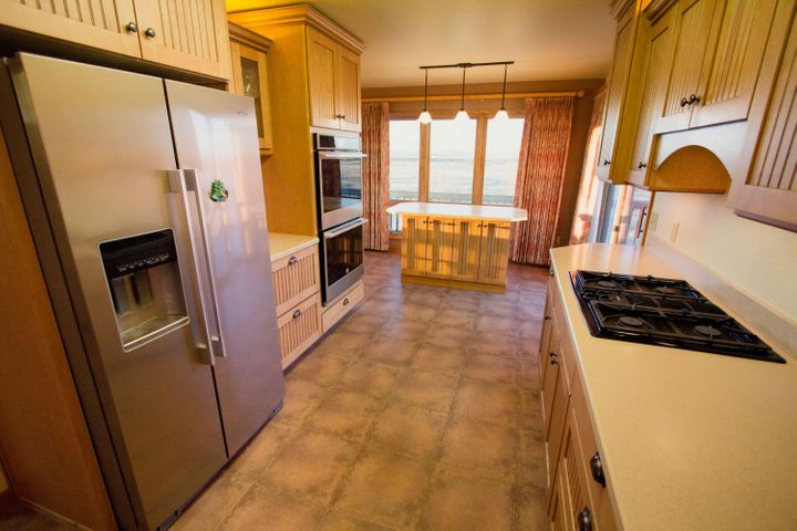 1919 Gaylord Road, Valier, MT 59486