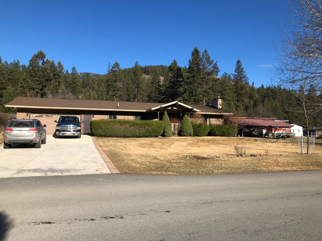 939 Greers Ferry Road, Libby, MT 59923