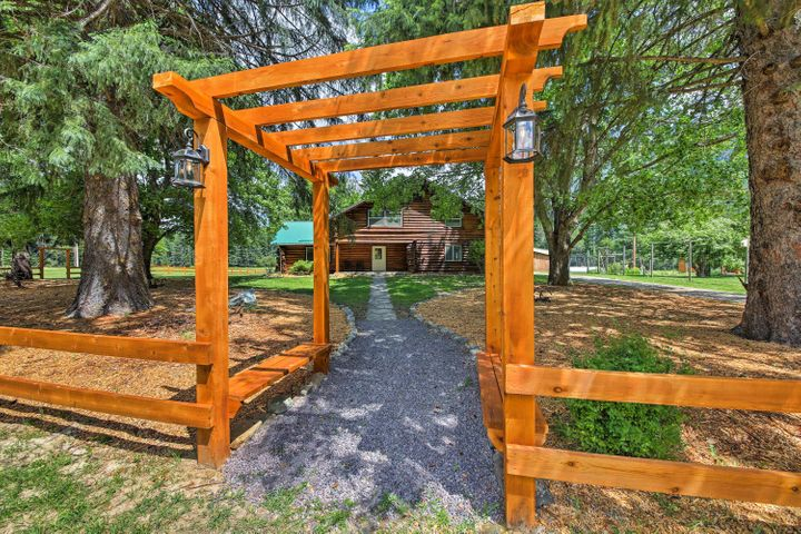 1021 Swanson Lodge Road, Troy, MT 59935