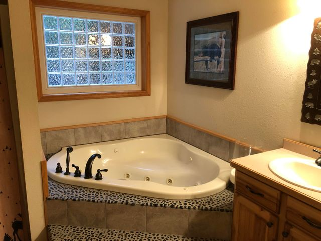 39 Halo South Court, Troy, MT 59935