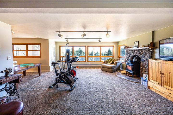 884 Wapiti Mountain Road, Butte, MT 59701