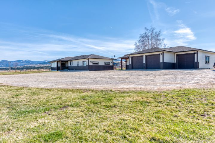 401 Arrow Hill Drive, Hamilton, MT 59840