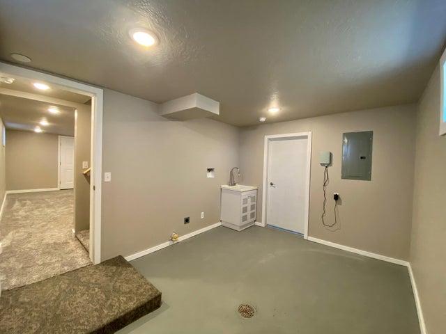 916 Milwaukee Avenue, Deer Lodge, MT 59722
