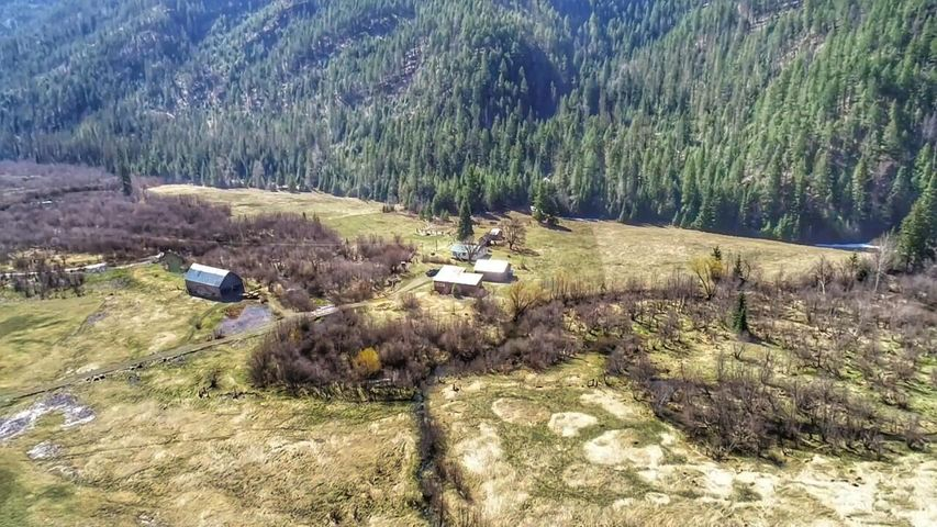 399 Pilgrim Creek Road, Noxon, MT 59853