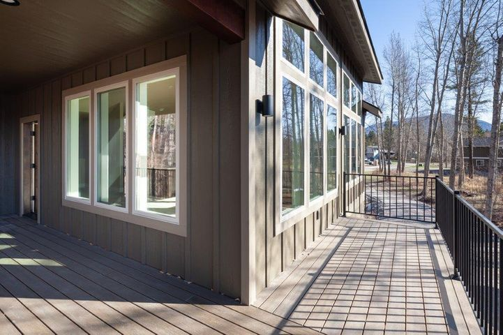 72 Cedar Pointe Loop, Columbia Falls, MT 59912