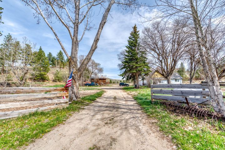 375 Sullivan Road, Stevensville, MT 59870