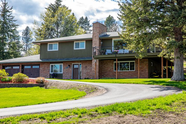 34 Larchwood Lane, Lakeside, MT 59922
