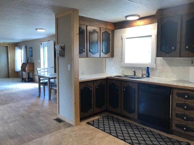 221 South Broadway, Victor, MT 59875
