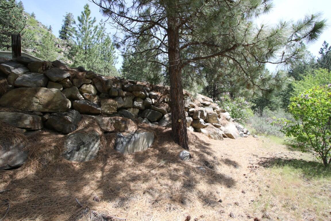 99 Henry Creek Road, Plains, MT 59859