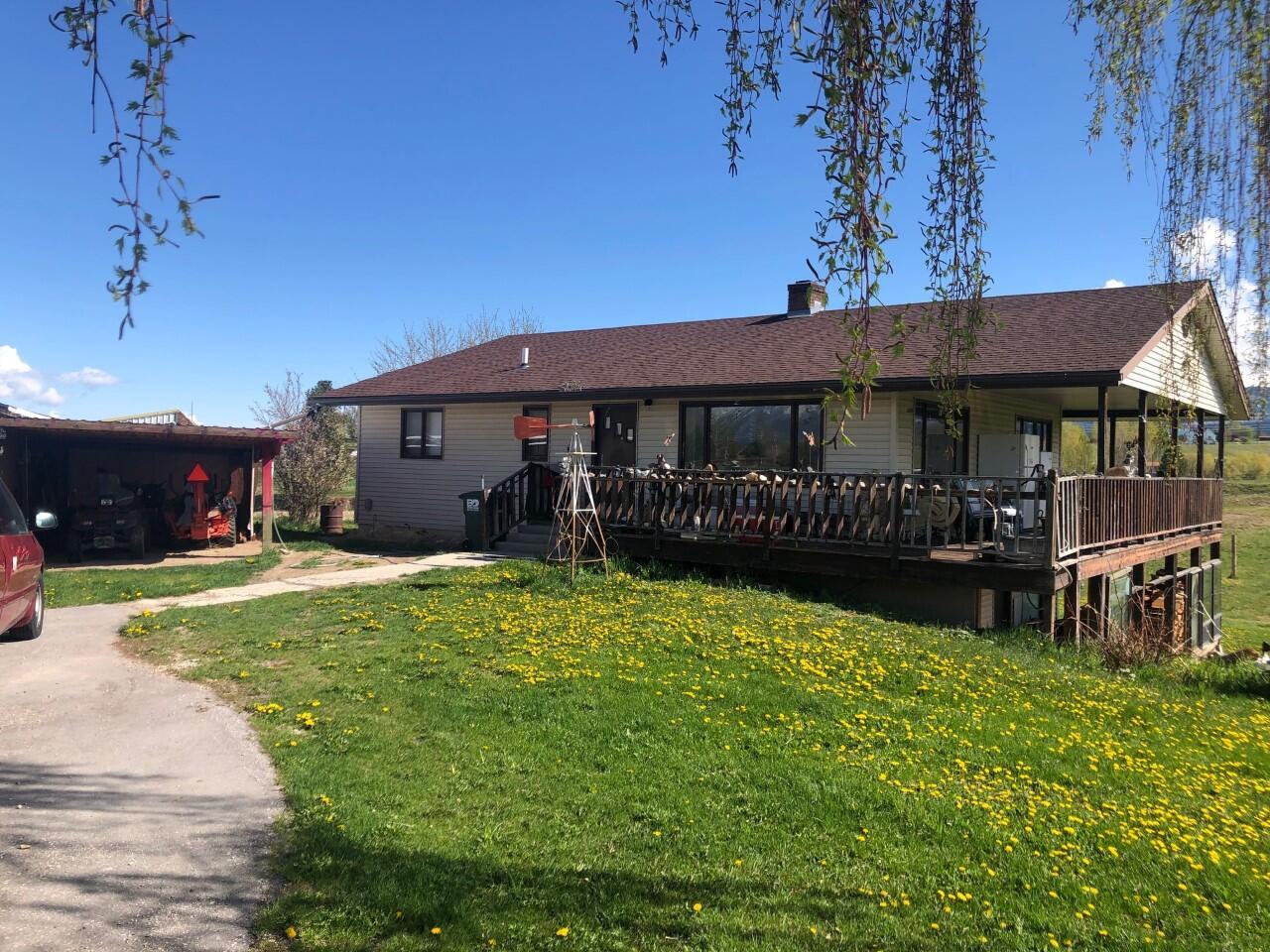 402 Wilcox Lane, Corvallis, MT 59828