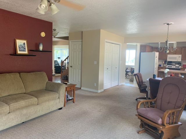 5833 Homestead Place, Florence, MT 59833