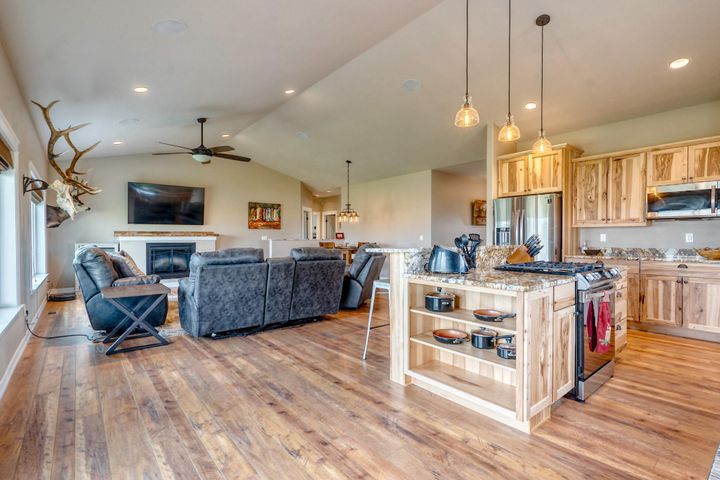 110 Country View Trail, Columbia Falls, MT 59912