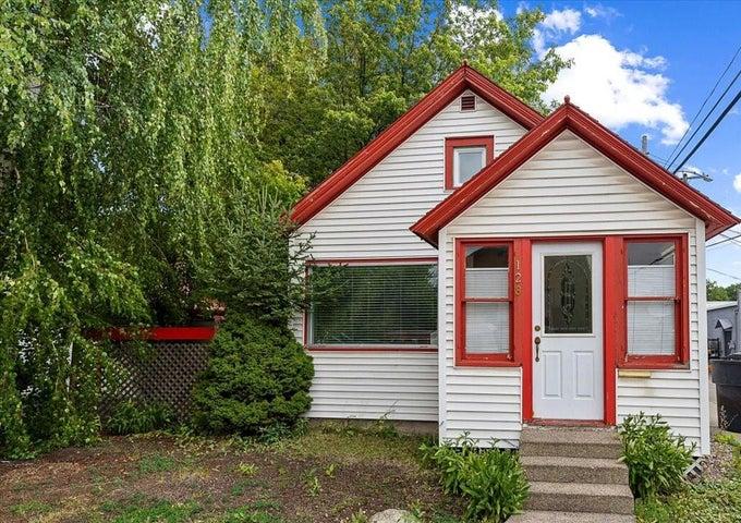 128 4th Street East, Kalispell, MT 59901