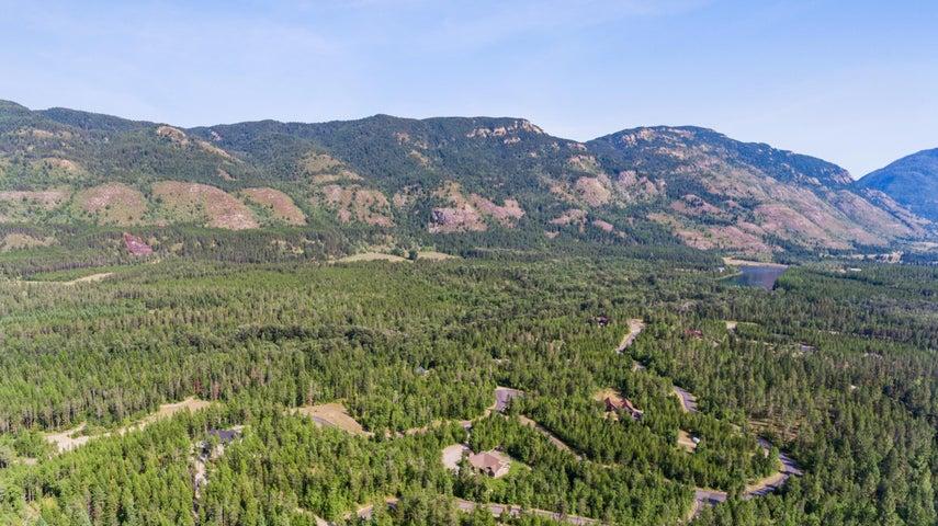 628 Moose Crossing Trail, Columbia Falls, MT 59912