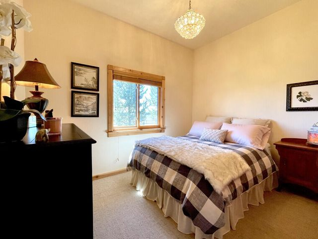 250 Mountain Vista Drive, West Yellowstone, MT 59758