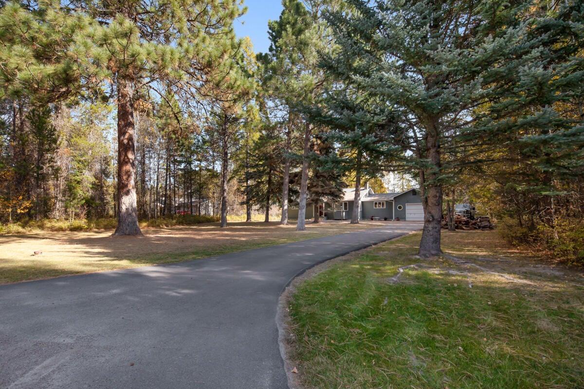 213 Dawn Drive, Columbia Falls, MT 59912