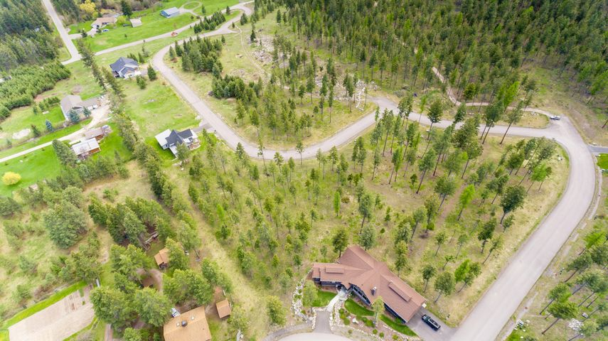 110 Spurwing Loop, Lakeside, MT 59922