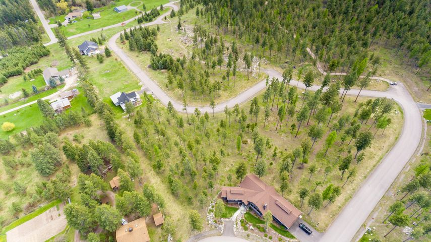287 Spurwing Loop, Lakeside, MT 59922