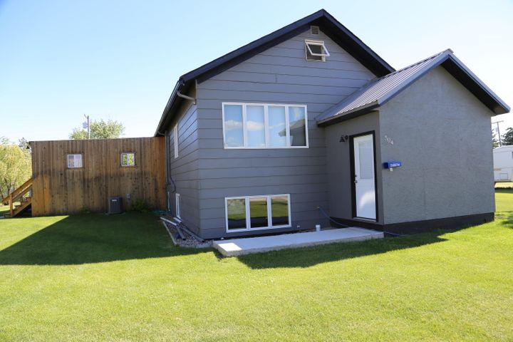 504 Iowa Avenue, Valier, MT 59486