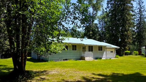 17 Bartholomew Road, Noxon, MT 59853