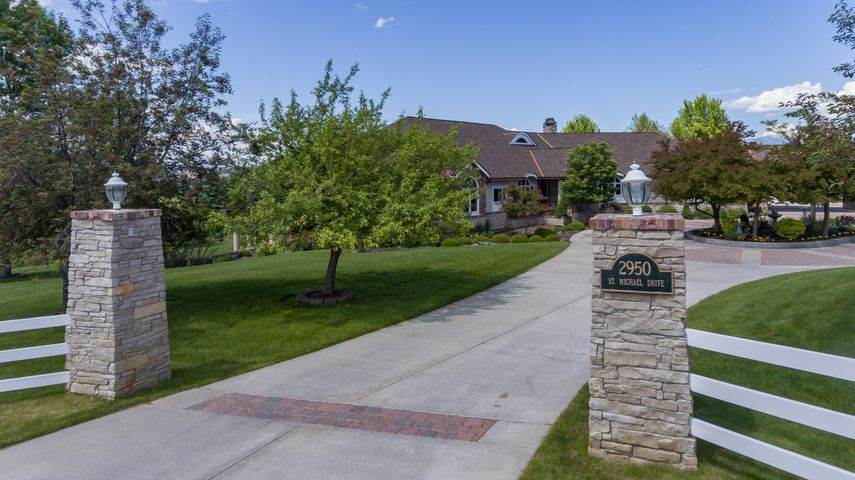 2950 St Michael Drive, Missoula, MT 59803