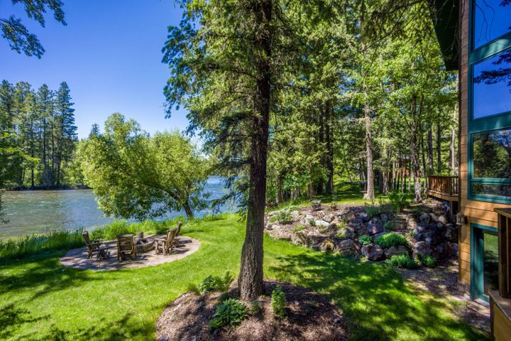 12891 Sunburst Drive, Bigfork, MT 59911