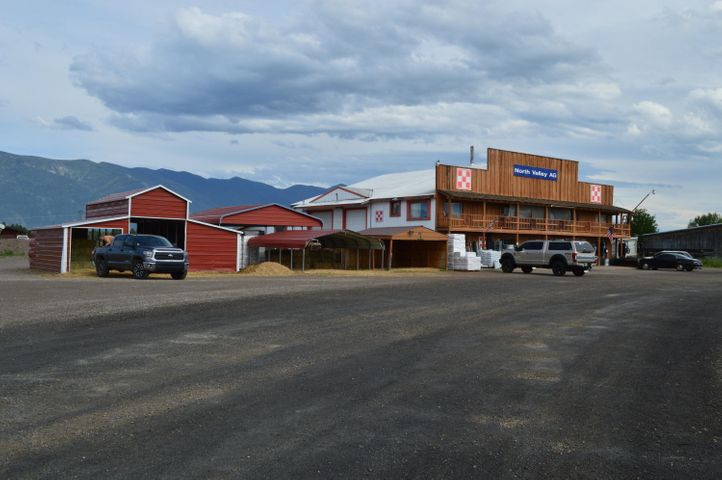 5613 Us Highway 2 W, Columbia Falls, MT 59912