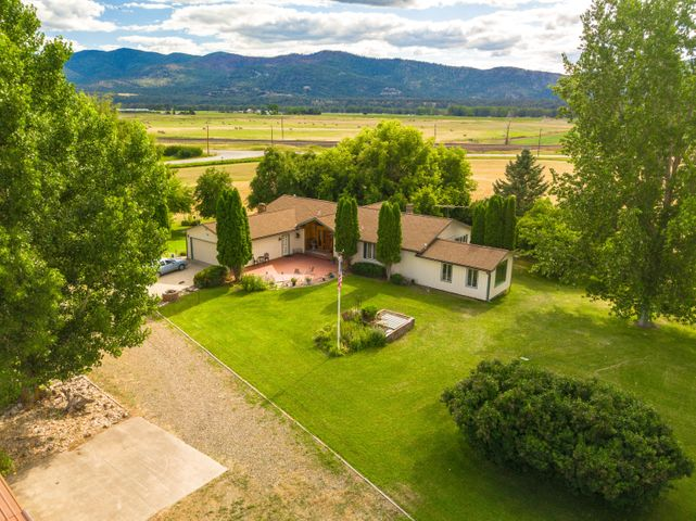7 Burnham Lane, Plains, MT 59859