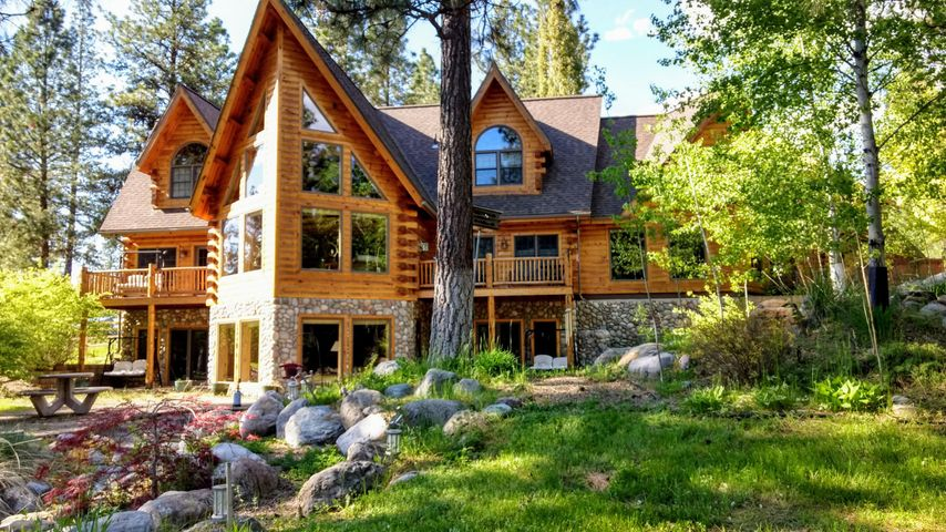 64 Steamboat Way E, Thompson Falls, MT 59873