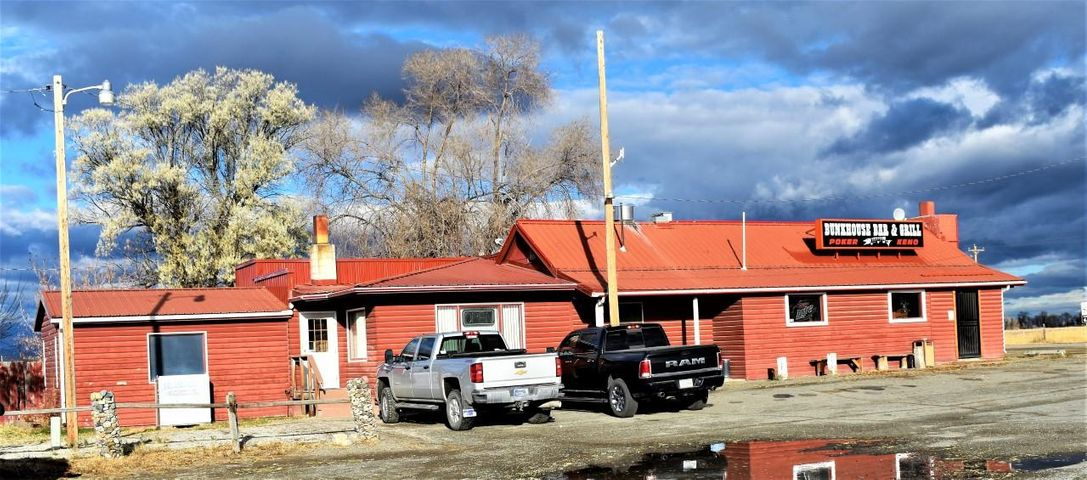 8846 Us-287 Hwy, Toston, MT 59643