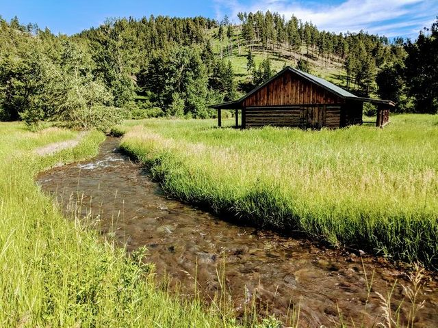 550 Bridger Creek Road, Big Timber, MT 59011