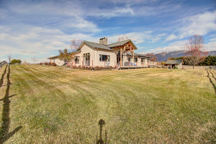 1340 Swan Horseshoe Drive, Bigfork, MT 59911